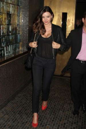Miranda Kerr skinny jeans red shoes