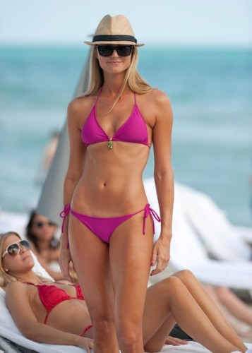 Stacy+Keibler+Showing+Off+Bikini+Body+Miami+YipE1VBsS1ll