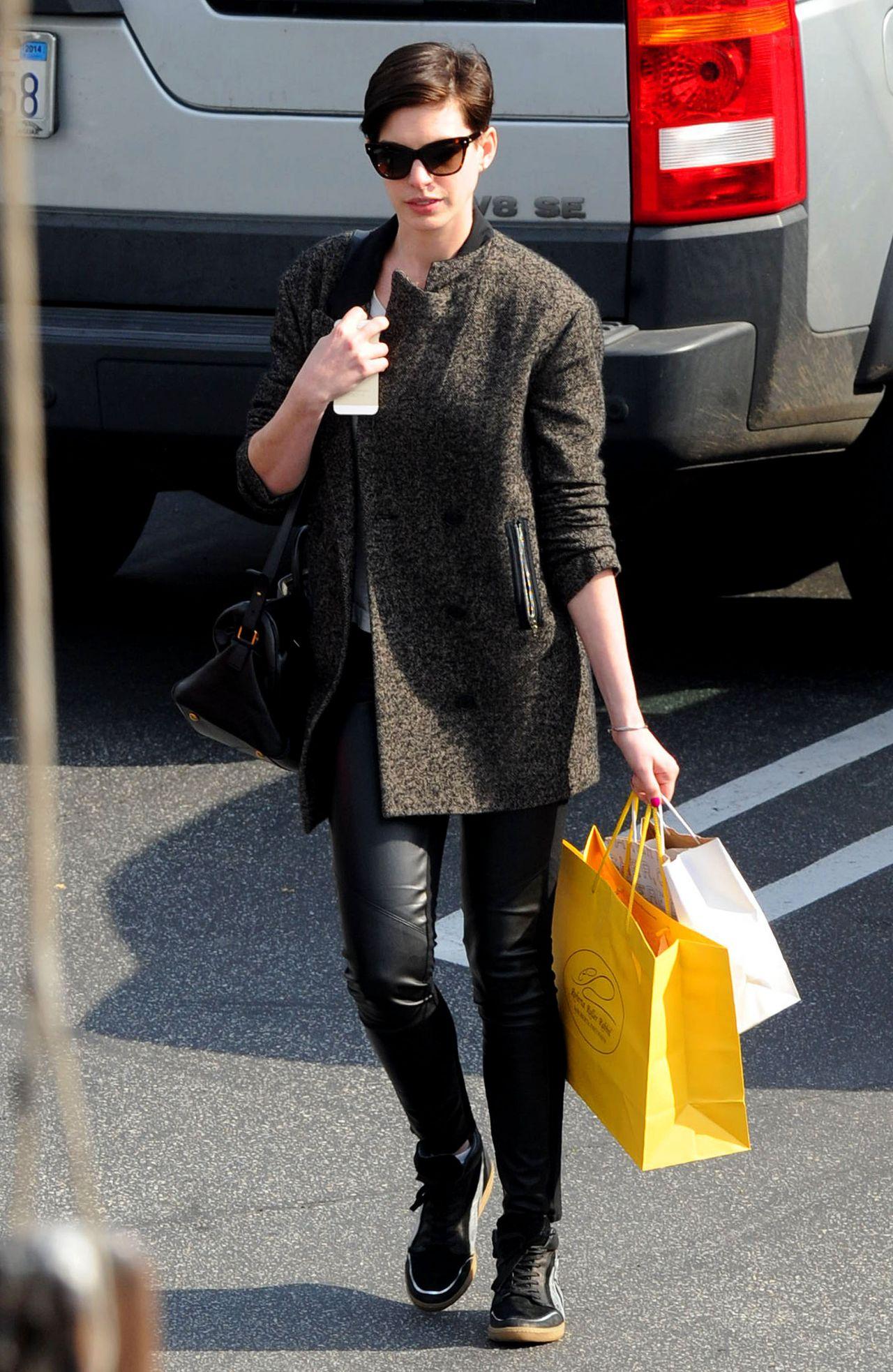 W stylu gwiazd: Anne Hathaway – blog.StyloweButy.pl