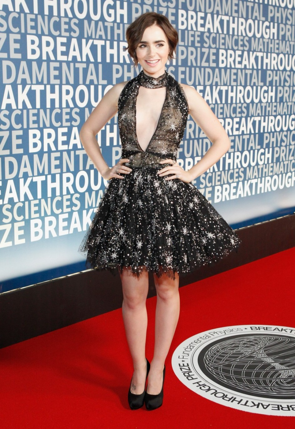 02_Best_Dressed_Celebrities_Lily_Collins_2016_Breakthrough_Prize_Ceremony-1024x1489