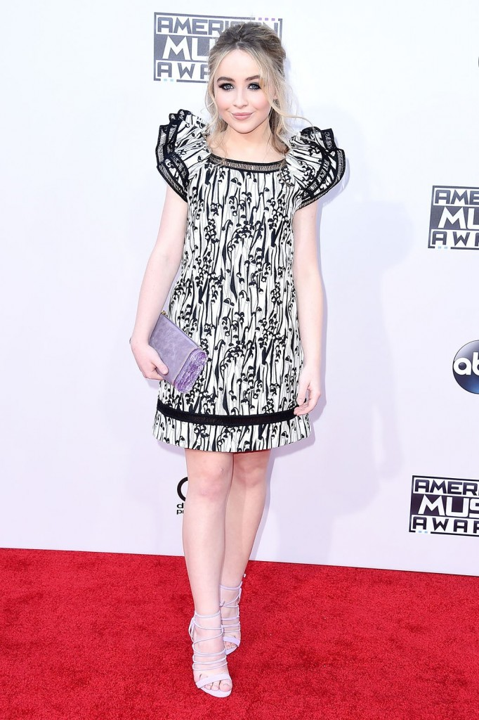 Sabrina_Carpenter_American_Music_Awards