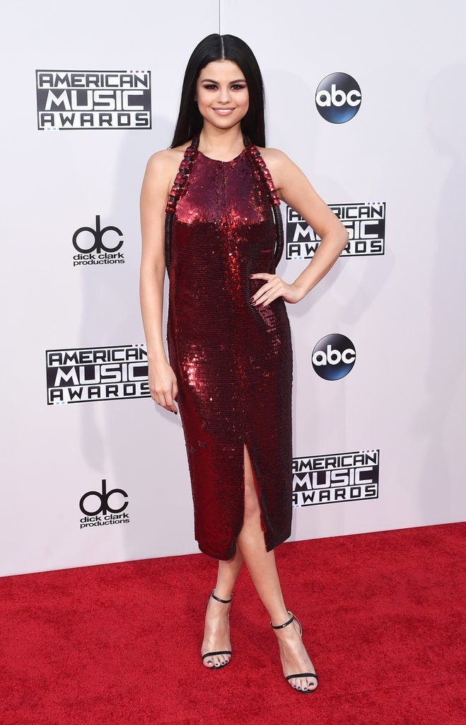 Selena-Gomez-Dress-American-Music-Awards