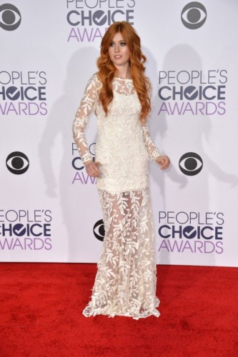katherine-mcnamara-at-2016-peoples-choice-awards-in-los-angeles-13-620x932